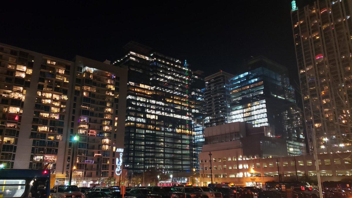 Current view! #GalaxyNote9 night shot! <br>http://pic.twitter.com/xzVvcFE8FK