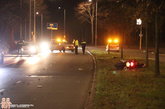 Motorrijder zwaar gewond na ongeluk Ockenburghstraat https://t.co/jVAXAlA7tR https://t.co/tM4HDZlC5G