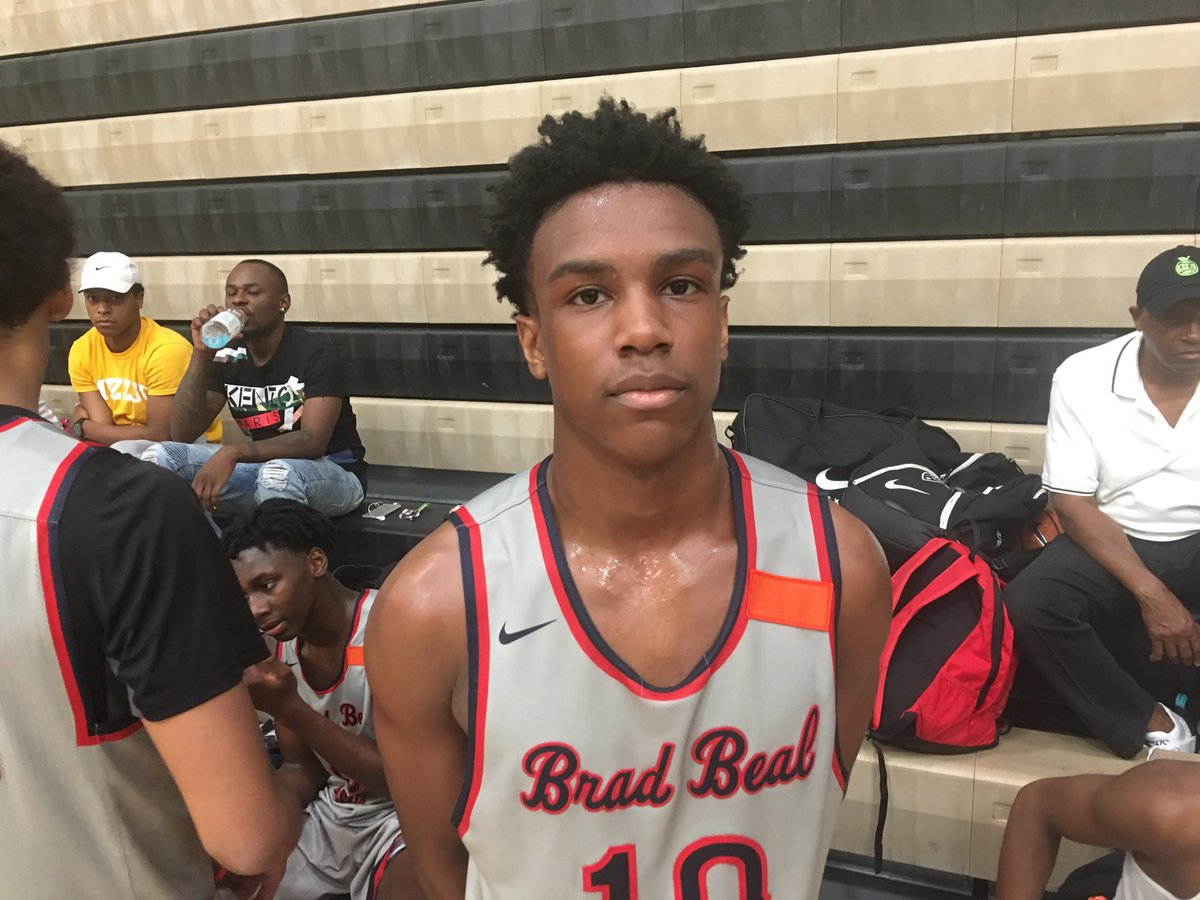 2021 G Jeremiah Walker Of DeSmet Had 18 PTS And 7 AST In A 79 76 Victory Over Chaminadepictwitter FWxJeGVpWZ