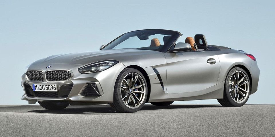 Loving the design of the new @BMW_SA Z4: I find it so cool that BMW are still taking design cues from their 1998 concept roadster the, Z8. (Check the kidney grill design) 👌