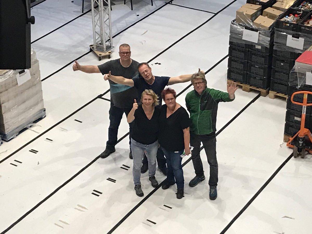 Leuk!! Onze actie bij #rtvdrenthe voor #vb18 #SamenvoordeVoedselbank18 zat kort in het #Jeugdjournaal vanavond 💪👍 en ondertussen zijn alle producten geteld en gesorteerd en keurig ingepakt voor transport naar dustributiecentrum #voedselbanken in #drenthe! Mooi toppers! https://t.co/nm75Rgpumx
