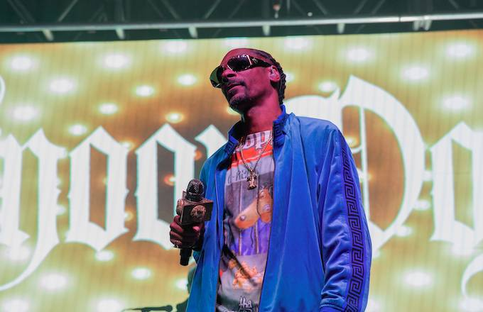 Snoop Dogg calls out Kanye West: 'Stop telling the whole f***king world what you're going through. We don't give a f***k!' https://t.co/VfaxPCGlLI