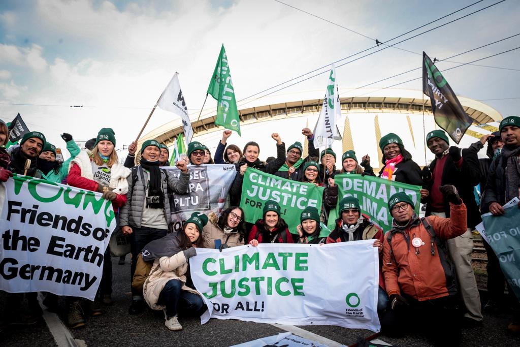#COP24 is over, but outcomes are not a pathway to keep temperature rise below 1.5C. Rich countries did not strengthen emissions cuts or agree to provide sufficient #ClimateFinance for developing countries. We will continue the fight for #ClimateJustice foei.org/feature/civil-…