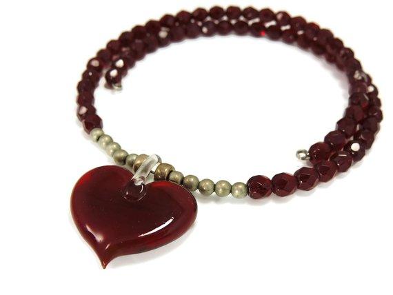 Ruby #Red #Crystal #Heart Art Glass Necklace #vintage #decor #homedecor #antiques #premierestategallery #countryliving #cottagedecor #mcm #gotvintage http://jto.li/2DnMe