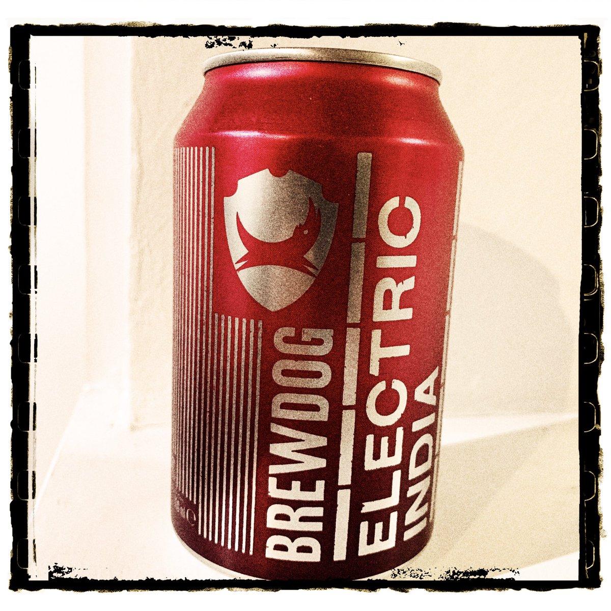 Season of Beer day 15: Brewdog Electric India, a farmhouse ale-style brew #xmascheers @TheBeerHawk