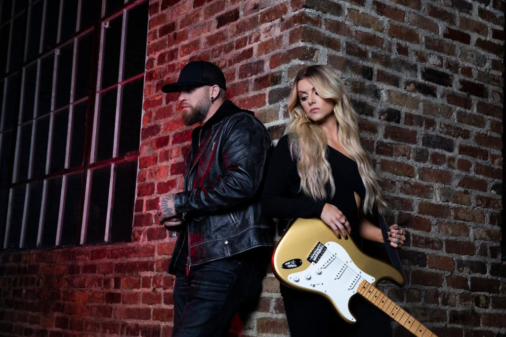 """Country chart-topper @BrantleyGilbert has joined with singer/guitarist @lindsayell for """"What Happens In A Small Town,"""" a passionate duet about the complexities of love. Hear it here: https://t.co/PTlFJgS0fS"""