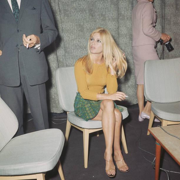 Brigitte Bardot DufzUL2XQAAM70u