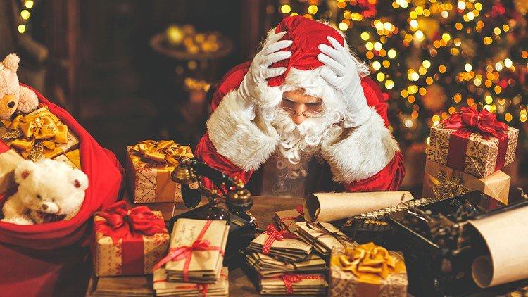 Should Santa get a 21st century makeover?  Click the link to vote now! https://t.co/C8hydPIQPS #khou11