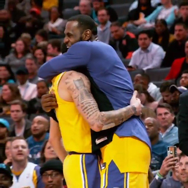 LeBron & Lonzo embrace in #PhantomCam after big performances in Charlotte! #LakeShow #ThisIsWhyWePlay https://t.co/B1vz2COgq9