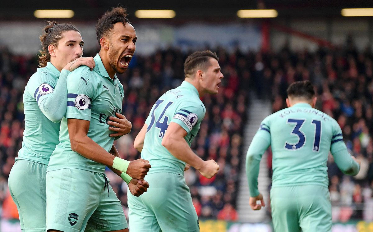 Arsenal have scored at least twice in their last 7 #PL away matches   #SOUARS