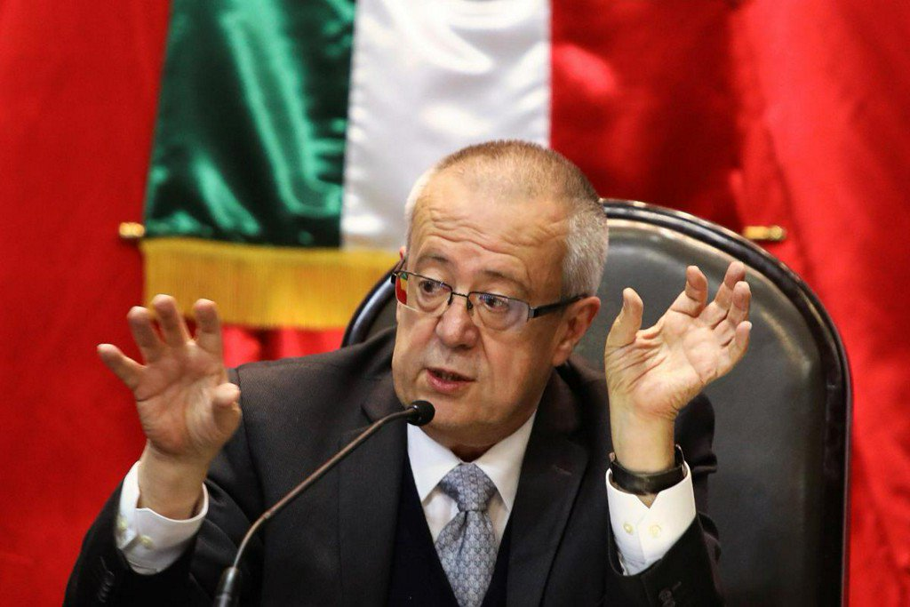 'No crazy stuff in it': Mexico budget keeps expectations in check https://reut.rs/2SL5Che