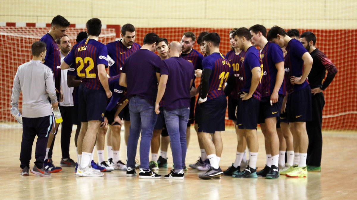 🔥 Game Day 🏆 J13 #DivisionHonorPlata 🤾🏻♂️ @bmalarcoscr - @FCBhandbol B ⌚️ 12.30 h 📍 Ciudad Real 🔵🔴 #ForçaBarça
