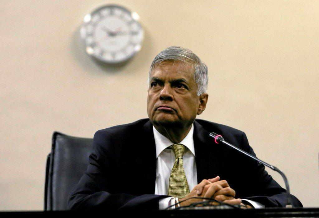 Wickremesinghe returns as Sri Lanka's prime minister as political crisis nears end https://reut.rs/2SLcpHK