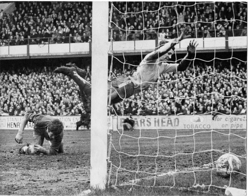 """Chad on Twitter: """"On this day: 1964 - Peter Osgood scored on his ..."""