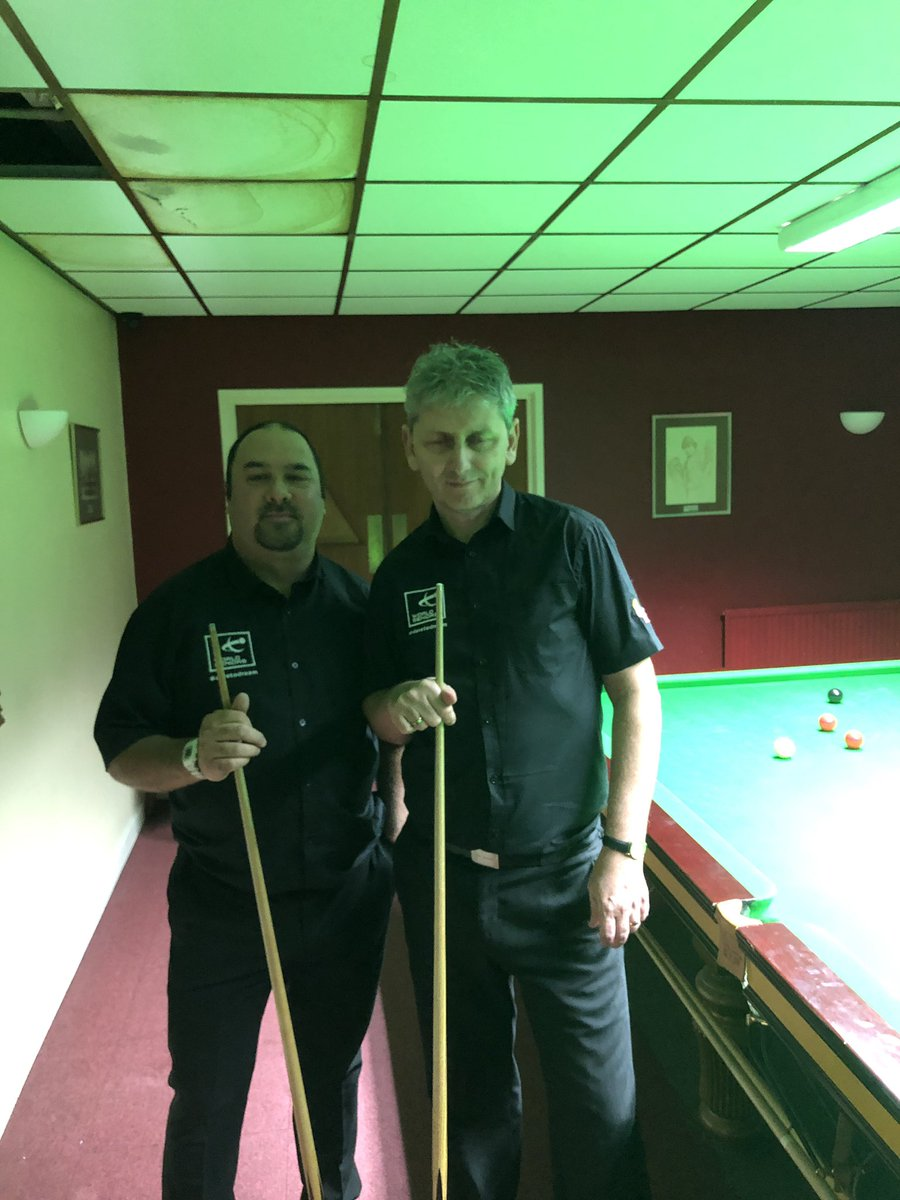 Robert Marshall 3-1 Simon Dent