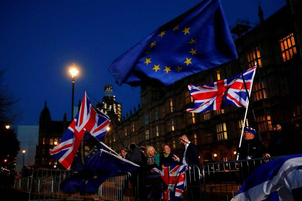 Brexit pressure rises, but UK government says no to second vote https://t.co/jxEhevaf7k
