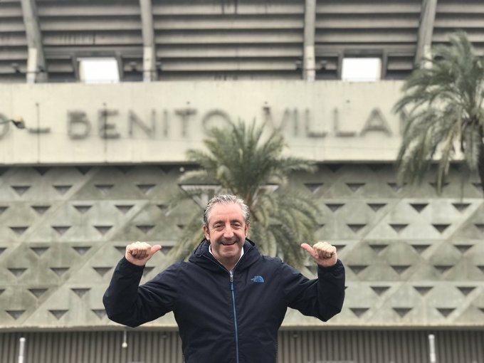 Esto es una tradición cada vez que vengo a Sevilla. #VisitaObligada #MushoBetis @RealBetis Foto
