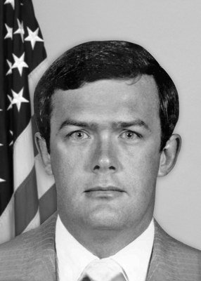 Today, FBI remembers Special Agents Terry Hereford, Charles Ellington, Robert Conners, and Michael Lynch, who were killed on 12/16/1982 in an FBI airplane accident in Ohio. The agents were traveling with a subject to Cincinnati. https://www.fbi.gov/history/wall-of-honor/terry-burnett-hereford … #WallofHonor
