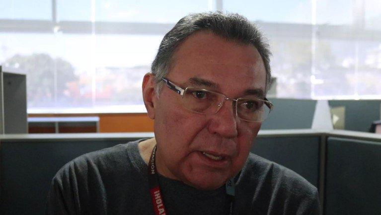 #Testimonio Durante los últimos 38 años Víctor Hugo Rodríguez, o VH como todos lo conocen, no sabe que es otro trabajo sino las paredes de El Nacional https://t.co/Zc1euvn4Im