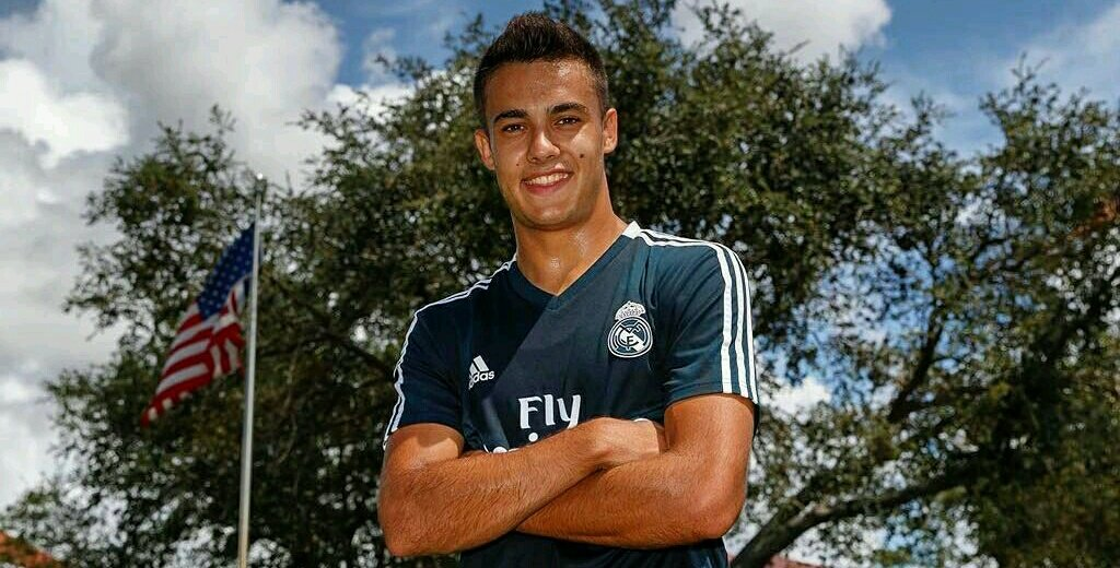 Happy Birthday to Sergio Reguilon who turns 22 today! One for the future 👌 #HalaMadrid