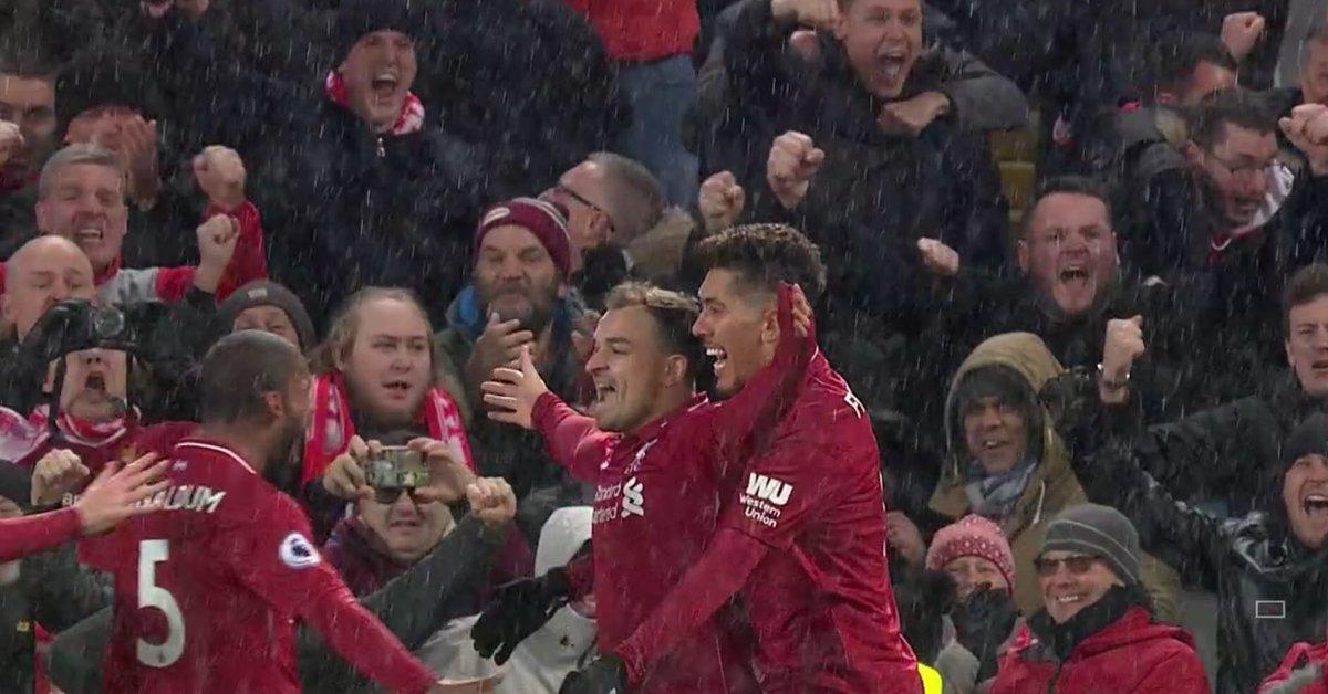 Hrdina utkání, Xherdan Shaqiri, slaví vstřelený gól do sítě de Gey (zdroj: skysports.com)