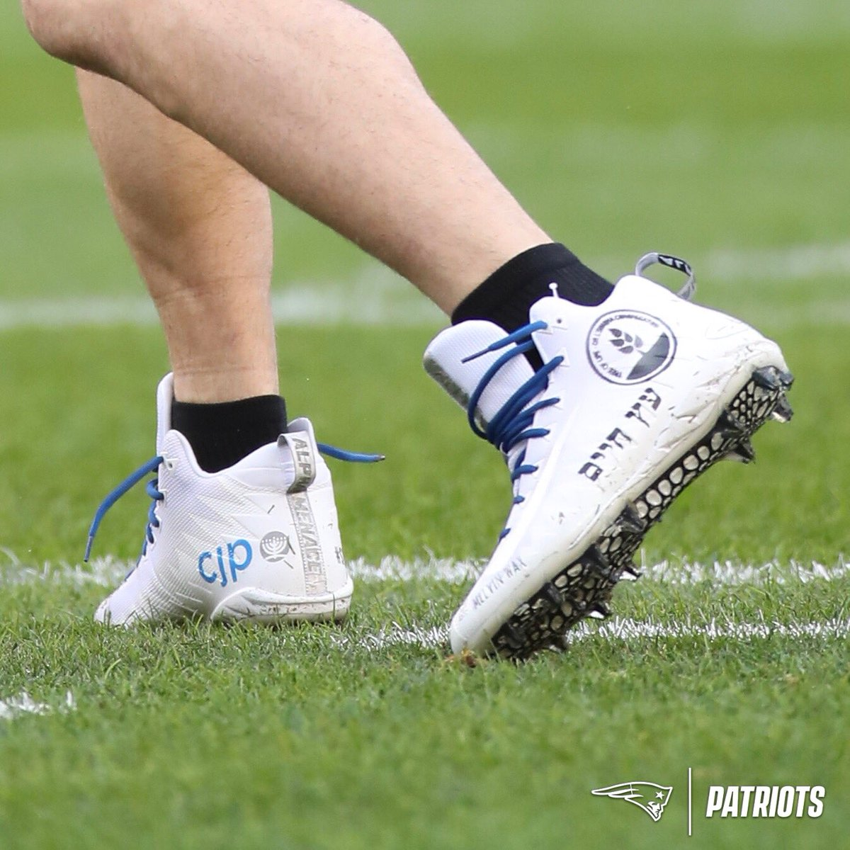 #StrongerThanHate @Edelman11's cleats for today's game in Pittsburgh.