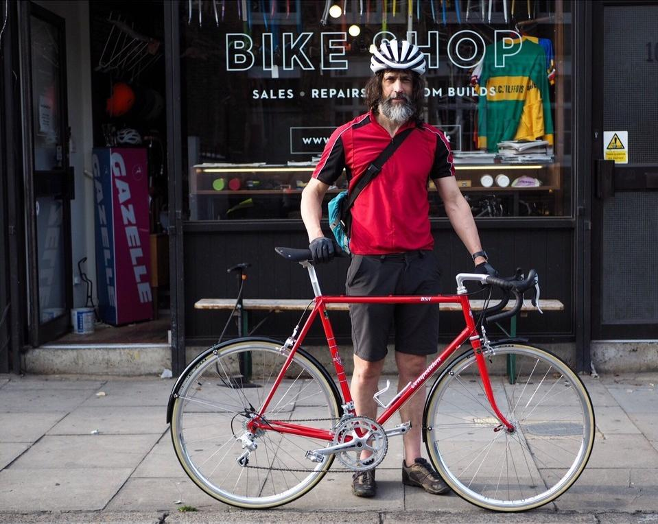 This is Stephen. He decided to go Neo-Retro, turning his beloved workhorse into a 10 Speed Campag equipped weekend steed. Read the full story over on our blog: https://t.co/OEoZWNqr4I. Let us know what you think :) https://t.co/kpRULdE4BS