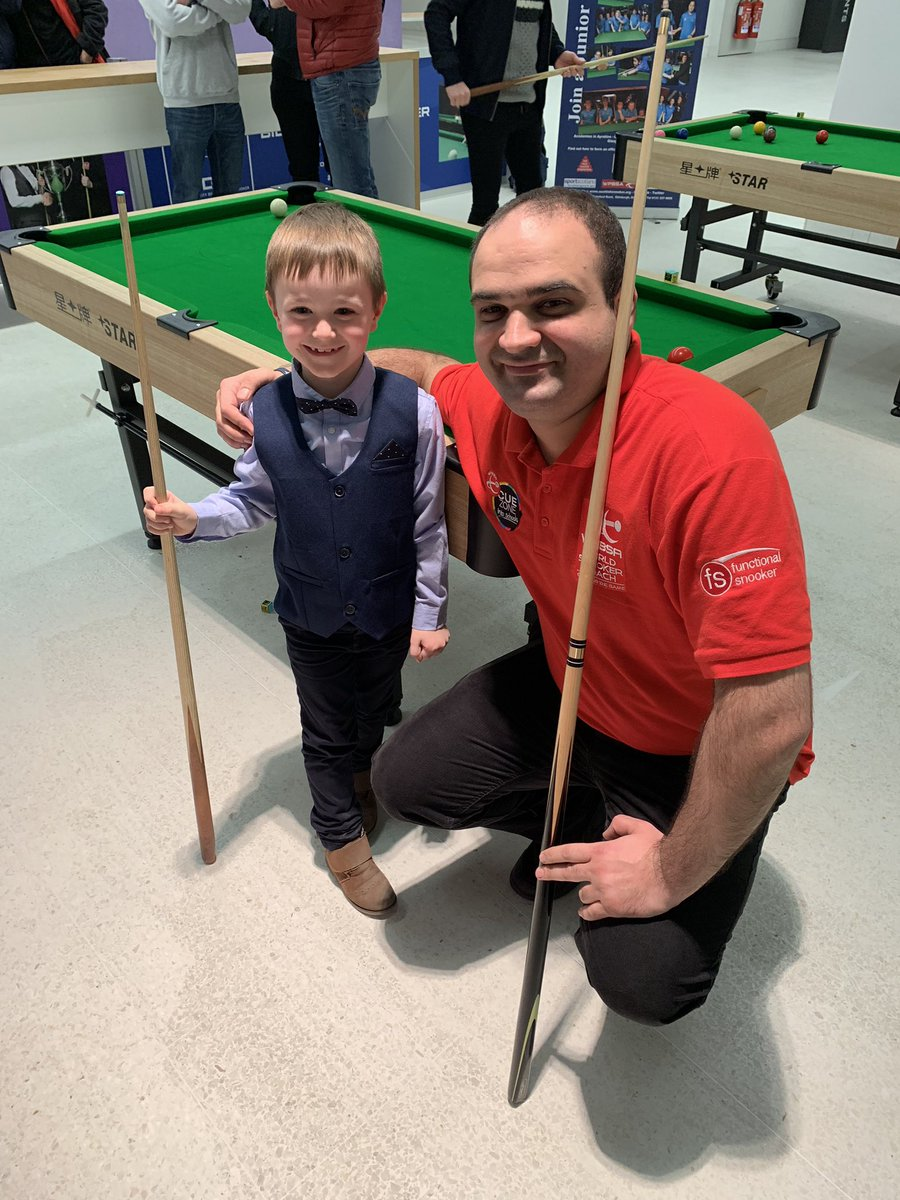 Great to see @VahediSoheil giving his time in our Cue Zone! Seems he's found a star of the future!