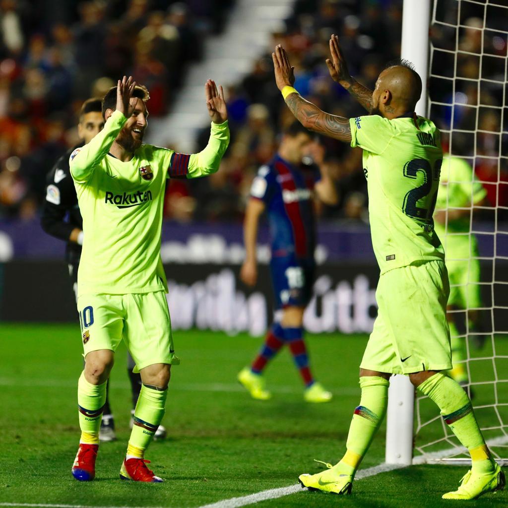 🙌 A goleada do Barça com direito a novo show de Leo #Messi na @Laliga. Imperdível! 🔝 ⚽️ #LevanteBarça (0-5) 🎉  🎥 Assista 👉http://ow.ly/7uft30n0v4U👈  🔵🔴 #ForçaBarça