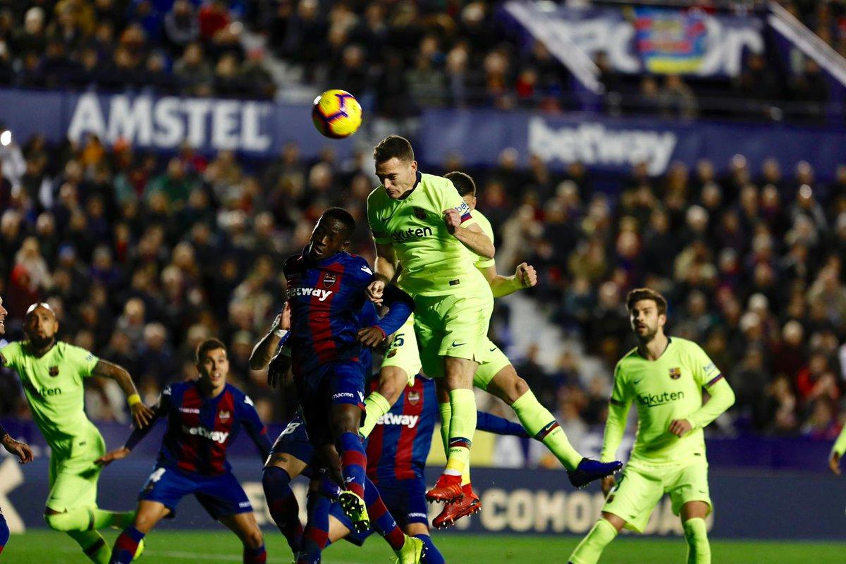 ⏰ Dimulai babak kedua! Levante 0-2 FC Barcelona ⚽ Suárez & Messi 💪 Ayo Barça! 🔴🔵 #LevanteBarça