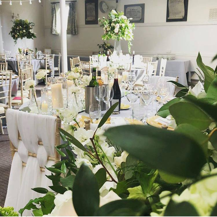 Well be seeing plenty more botanical and #greenweddings next year! Especially after Princess Eugenie's wedding.... #botanical #wedding2019 weddinginspo #brilliantwedding #weddingstyling #placesetting