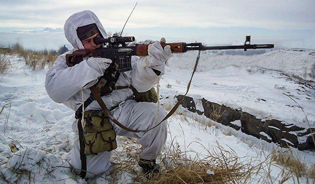 Из пистолета Макарова с 25 метров поразить «боевика»: в ЗВО учения снайперов прошли по спецпрограмме:  https://t.co/usBPQ5iLDb