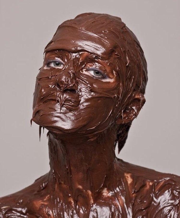 Картинка с шоколадом на лице