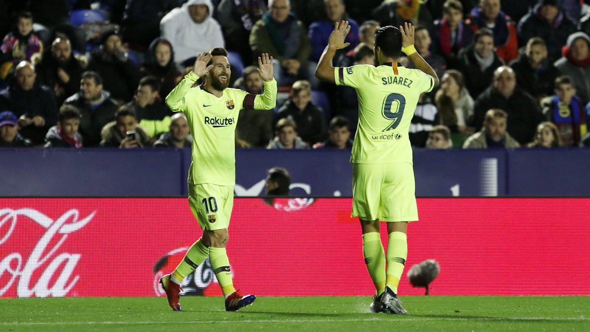 🙌 25 buts inscrits à eux deux en @LaLiga cette saison ! 🙌 😯 Plus que de nombreuses équipes du championnat ! Leo #Messi & @LuisSuarez9