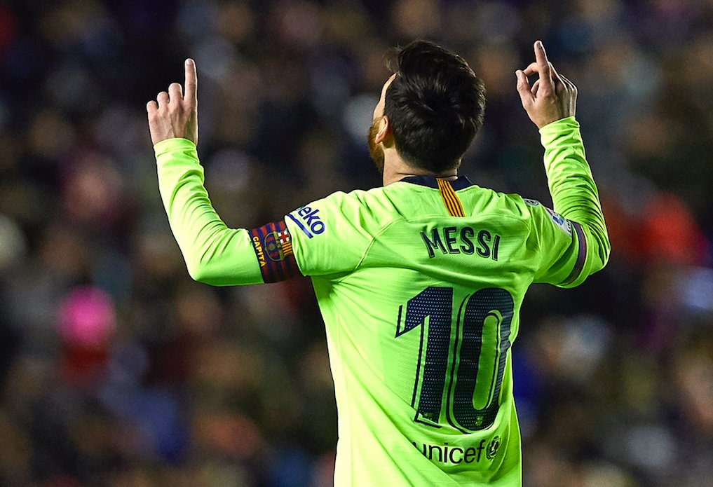 '5th-best in the world' Messi  Last weekend: —2 goals —1 assist  Today: —Hat-trick —2 assists