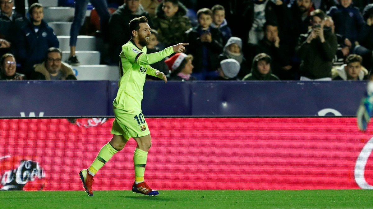 👑 #Messi: 3 gols e 2 assistências! 😎 😱 Um gênio de outro planeta..👽 ⚽️ #LevanteBarça (0-5)  🔵🔴 #ForçaBarça