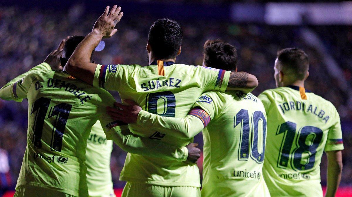 👏 Goleada espetacular em Valência e liderança da @laliga mantida. Missão cumprida, equipe! 🎉 ⚽️ #LevanteBarça (0-5)  🔵🔴 #ForçaBarça