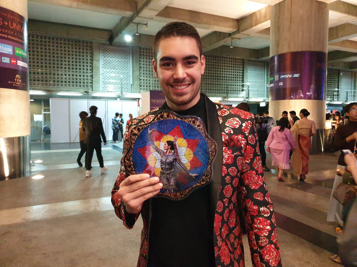 LOOK: Miss Universe Philippines Catriona Gray's boyfriend Clint Bondad is already at the Impact Arena in Bangkok, Thailand. #MissUniverse #MissUniverse20182018