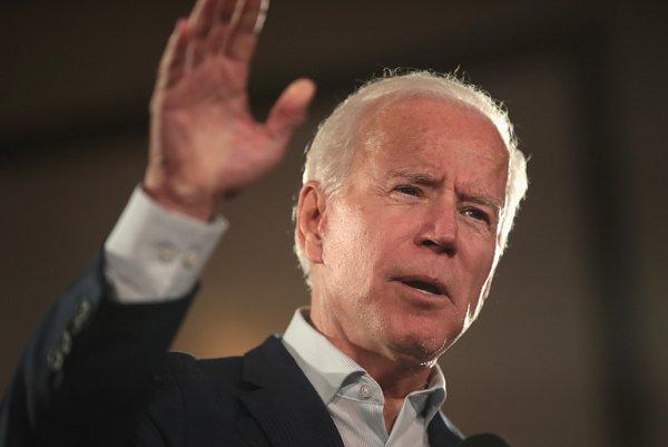 New poll shows Joe Biden as top pick for 2020 presidential race among key Iowa Democrats https://t.co/MhffPCQkzz