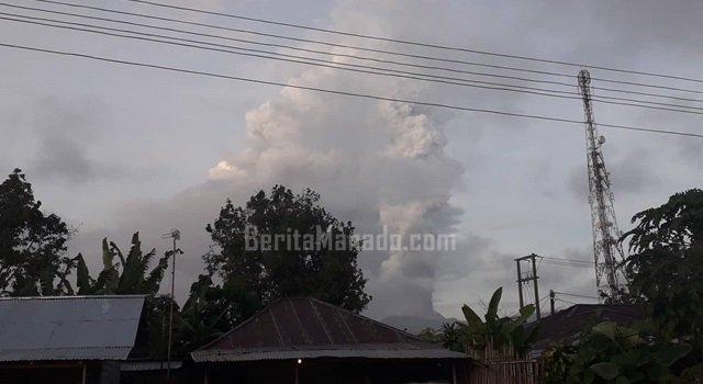 Image of Lagi, Gunung Soputan Semburkan Material Vulkanik Mengarah ke Sejumlah Wilayah di Langowan