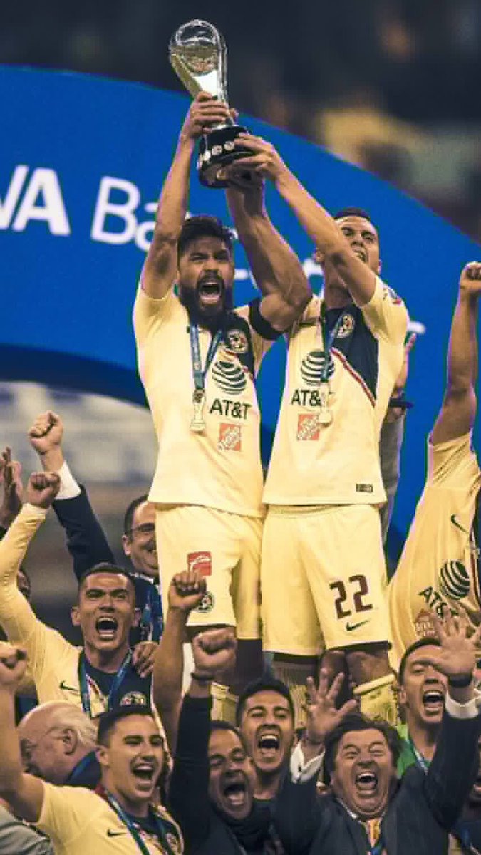 El #América @ClubAmerica #Campeón #México #LigaMX felicitaciones a los jugadores, comisión técnica y su gente!  Abrazo para los hinchas de @Cruz_Azul_FC por mbuena campaña !