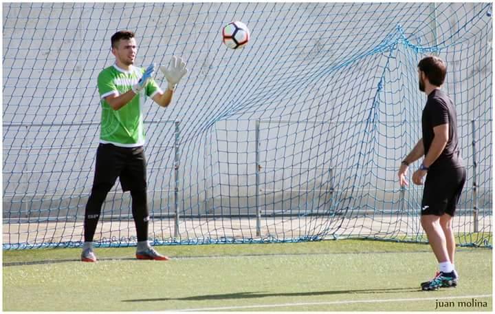 ¿Cuál será el destino de nuestro agenciado @DiegoGilRivas? ¿Queréis una pista? Va camino de #LaManchaMola y firmará por un club que ha jugado 22 temporadas en la @Tercera_VAVEL y ha participado en la #CopadelRey