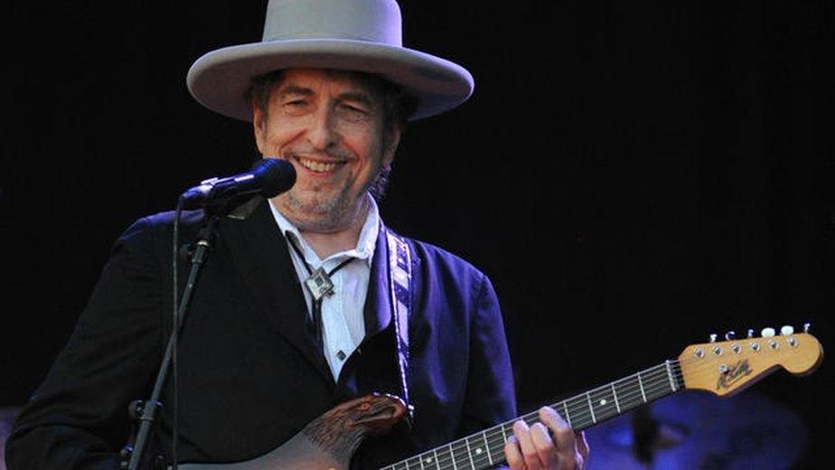 Bob Dylan donnera trois concerts au Grand Rex à #Paris en avril 2019 https://t.co/K95TUJrGRH