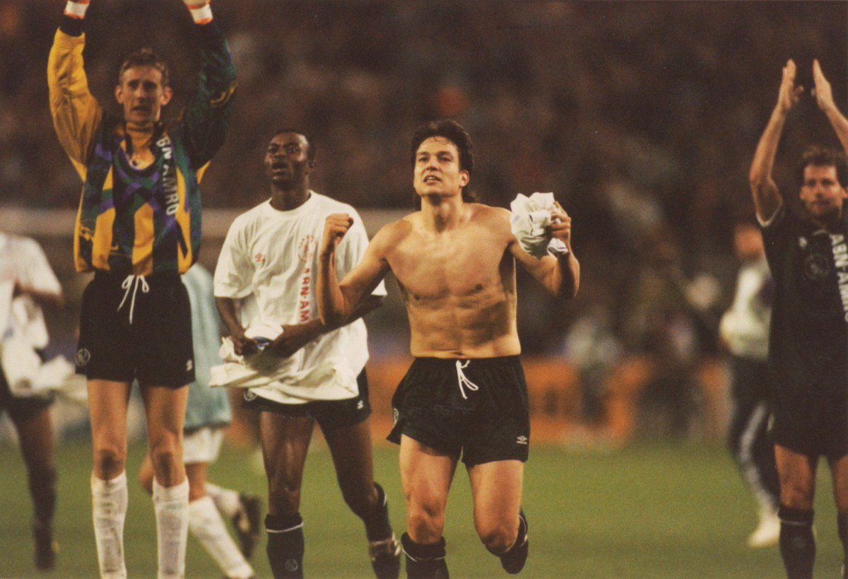 What a draw @AFCAjax playing against @realmadrid in the next round @ChampionsLeague. Brings back memories to our match in November 1994 when we won 0-2 in Santiago Bernabéu. #UCL #ajarea ❌❌❌