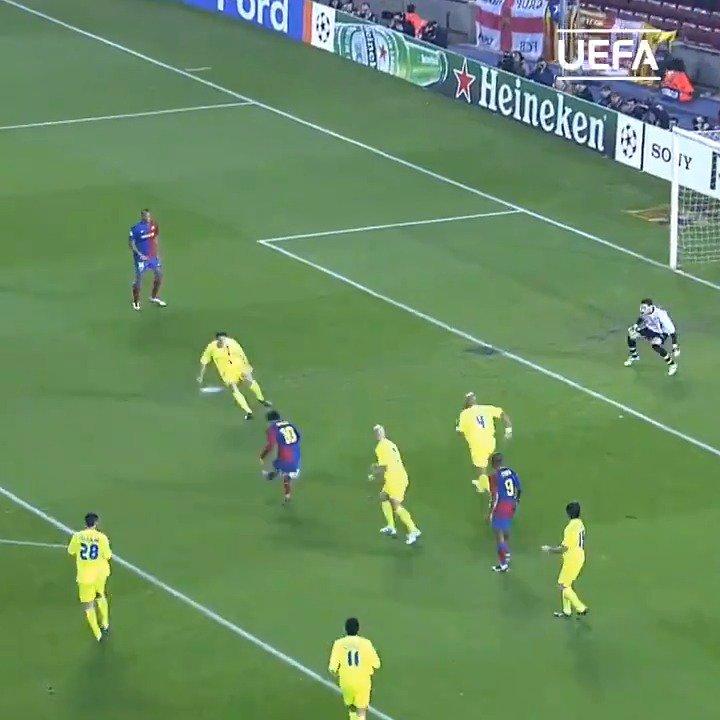 🔟 #Messi vs. #Lyon 💙❤️  📽️ 2⃣0⃣0⃣9⃣ ❓ 2⃣0⃣1⃣9⃣   #ChampionsLeague