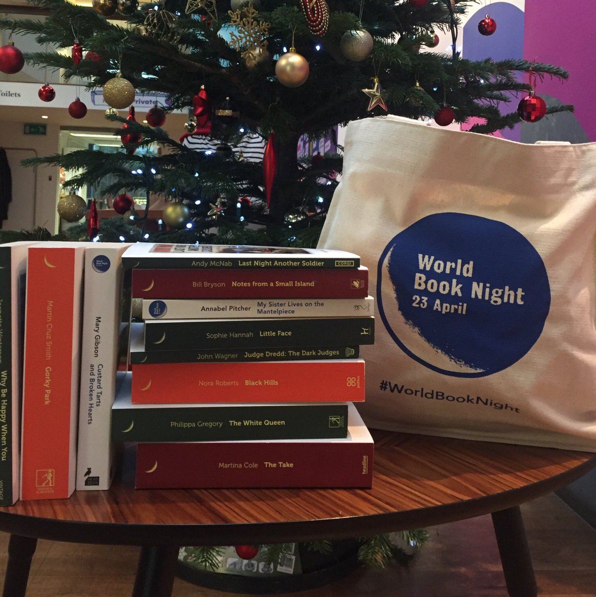 It's giveaway time! We're offering 3 lucky people a limited edition #WorldBookNight bag and a selection of titles from previous years. To enter, retweet and comment why you think World Book Night is important by 12pm Wednesday. UK entries only.