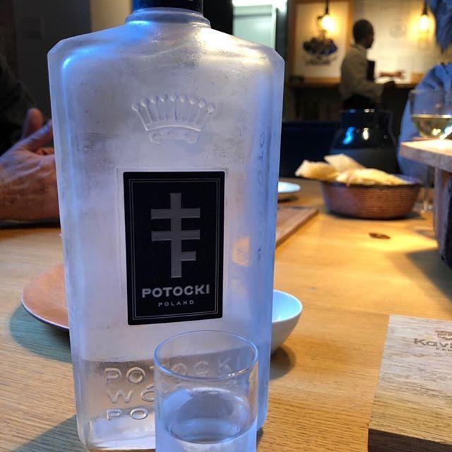 La fameuse vodka #Potoki qui vous emmène en #Pologne chez @kaviari_paris https://t.co/g4DOkbBeKS