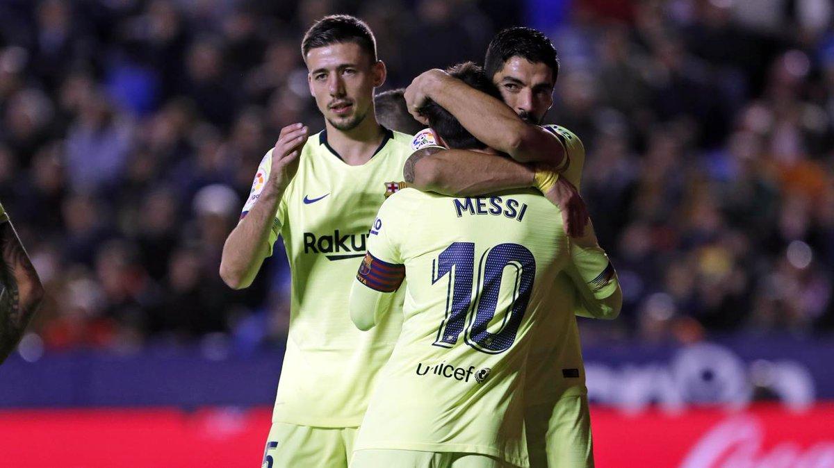 Leo #Messi 14 ⚽  @LuisSuarez9 11⚽  La Liga'da sadece 3⃣ takım (Sevilla, Celta Vigo ve Levante) onlardan (25) daha fazla gol atabildi! 😱  Listede bazı kulüpler unutulmuş mu? 🤔😉