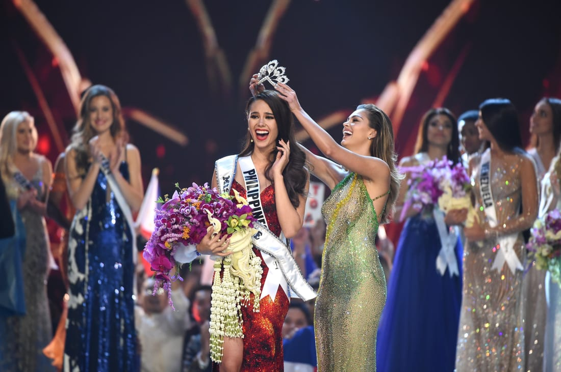Catriona Gray from the Philippines has been crowned Miss Universe 2018, beating contestants from 93 other countries https://t.co/lCDT37WIPe
