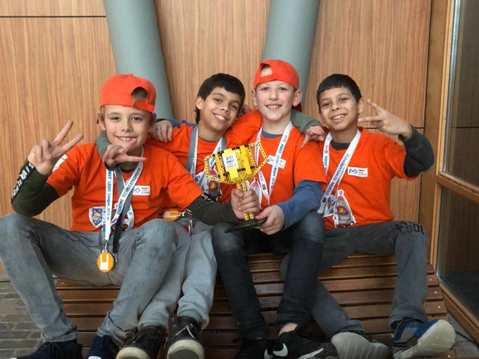 BiebBoyz behalen tweede plaats bij FirstLegoLeague! https://t.co/WaNZAhdI3D https://t.co/NlBiZPn5eo